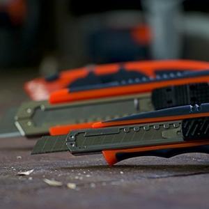 PRESCH Cuttermesser Set 7-tlg. mit 10 Abbrechklingen – Profi Universal-Messer für Karton, Teppich oder zum Basteln - 7